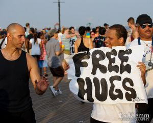 FreeHugs_SirenFestival2010